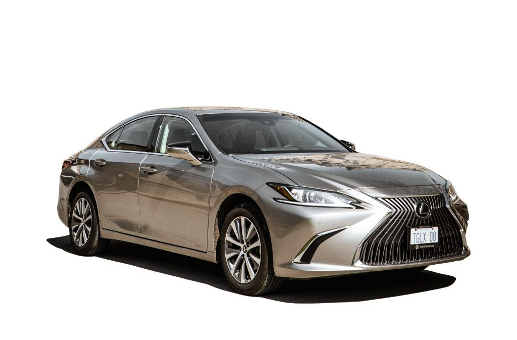 The bold and stylish design of the Lexus ES 250